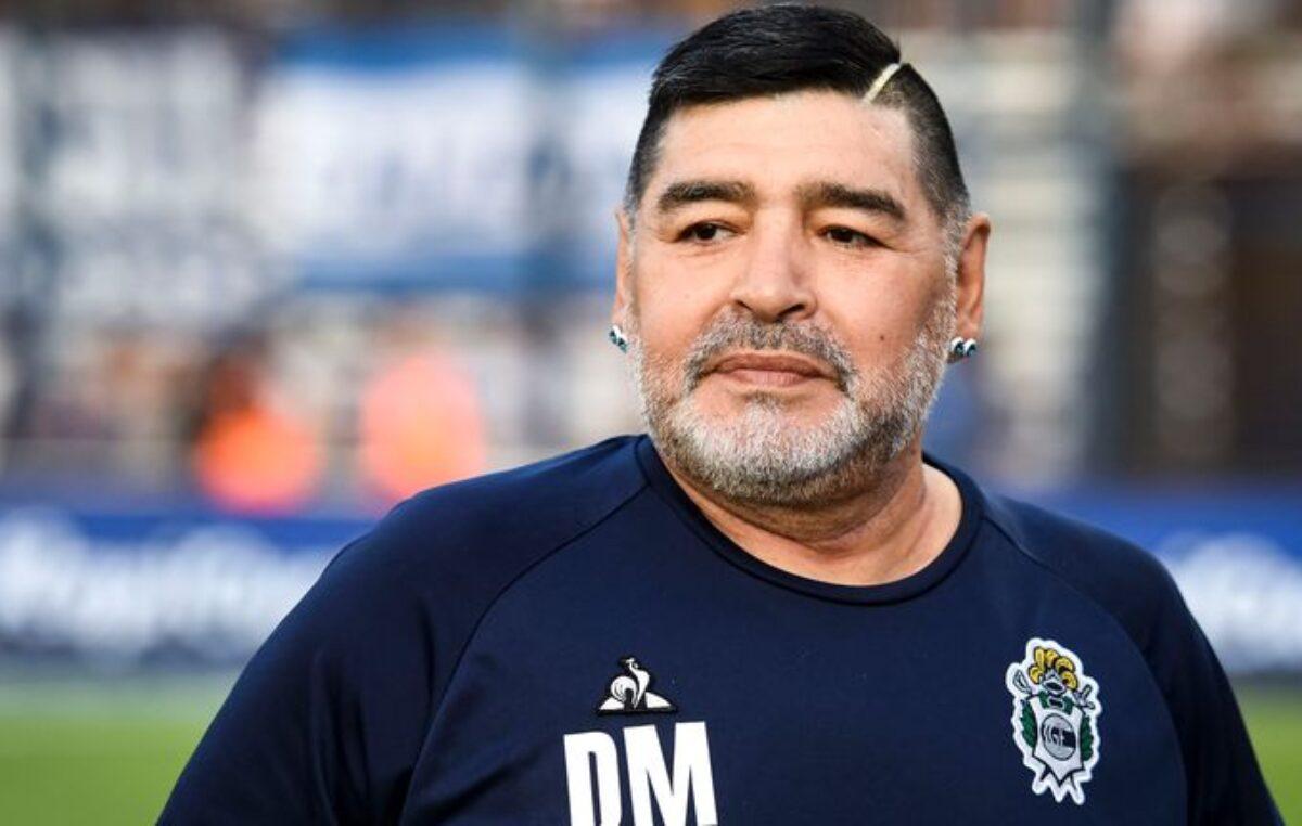 Maradona kritično