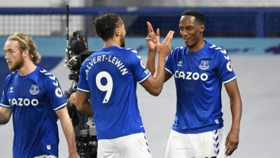 Everton naneo novi poraz Arsenalu. Everton na drugom mestu