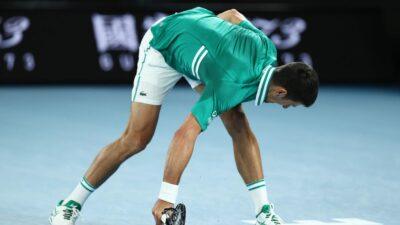 Novak Đoković nakon lomljenja reketa i velike drame u polufinalu Australijan Opena (VIDEO)