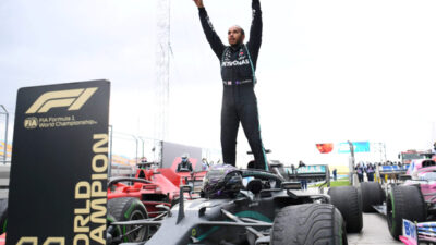 Luis Hamilton potpisao novi ugovor sa Mercedesom i tako rešio veliku dilemu!