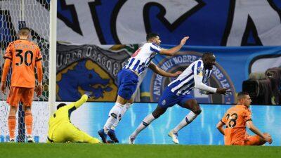 """Porto iznenadio """"staru damu"""". Haland i Dortmund slavili u Sevilji (VIDEO)"""