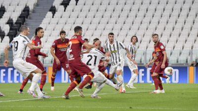 Juventusom pobedom u derbiju prišao Interu na pet bodova razlike (VIDEO)