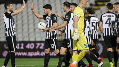 "I Partizan siguran pred ""večiti derbi"". Pao i Metalac u 18. uzastopnoj pobedi crno-belih (VIDEO)"