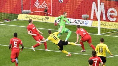 Dortmund slavio u derbiju. Bajern i zvanično šampion Bundeslige (VIDEO)