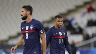 EURO 2020: Prve nevolje u svlačionici Francuza! Kulminirao sukob između Žirua i Mbapea!