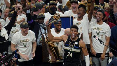 Milvoki je šampion NBA lige! Neverovatni Janis brojao do 50 (VIDEO)