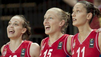 Vratila se u SAD, ali Srbiju nije zaboravila!