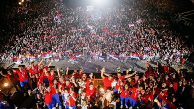 SRBIJA SE ODUŽILA OLIMPIJCIMA: Spektakularan doček ispred Skupštine! (VIDEO)