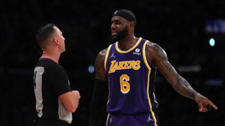 NBA: Lejkersi konačno pobedili uz rekord Karmela. Slabo veče za Srbe! (VIDEO)