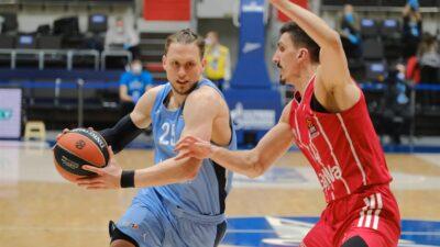 Zenit pobedio i nastavio agoniju Bajerna!