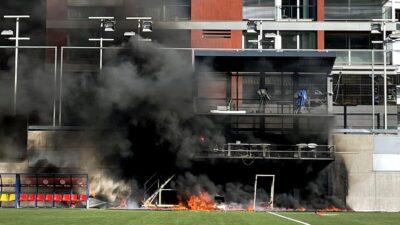 PLAMEN ZAHVATIO STADION: U Andori totalni haos pred meč sa Engleskom! (VIDEO)